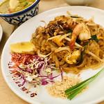 大阪カオマンガイカフェ - コレでランチメニュー四種揃いました!!