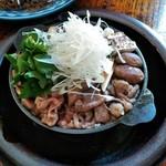 牛鍋屋 大井牛肉店 - 料理写真:牛鍋松コース(飛騨牛ロース肉)