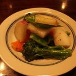 湯の岳庵 - (2019年02月)鱒の燻製と湯布院野菜