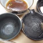 三谷製麺所 - つけ汁と取り碗