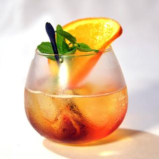 ほんのり甘いチューハイやフルーツ入りなど飲みやすい1杯を用意