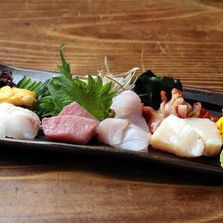 全国各地の新鮮な魚介を堪能できる!ノドグロのお造りが旨い◎