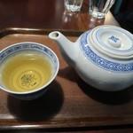 萬來行カフェ - 蓮の葉茶