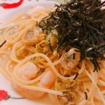 イタリアンハウス パスタ - 魚介とフキノトウと水菜の和風パスタ