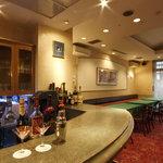 レストラン&バー ラコント - 夕方からは各種アルコールもご用意しています。