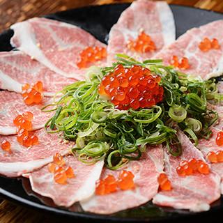 プチ贅沢な濃厚肉刺しに、木津市場直送の魚介は新鮮そのもの!