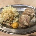 焼ジビエ 罠 神田 - 罠セット(1980円)・猪肉のシュウマイ