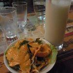インド・ネパール料理 FULBARI - 2011.12 セットのミニサラダとラッシー