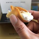 東京かみなり舎 - クリームチーズとクリームがたっぷり