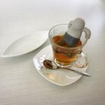 レストランティーズ - 紅茶のお風呂に入ってるのね!きゃはは!