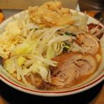 ラーメン豚山 - 小ラーメン 780円
