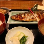 肴亭 庄兵衛 - 自家製サバ干物定食