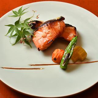 """""""その日一番""""の旬食材を全国から厳選。京料理の真髄を堪能"""