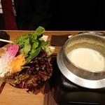 肉や しるし - 有機野菜のチーズフォンデュ