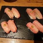 肉や しるし - 黒毛和牛の炙り握り寿司