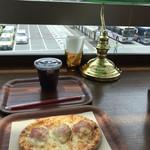 イタリアン カフェ ピザ ロイヤルハット - 料理写真: