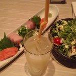 テッパンプラス - 2,800円コース(2人〜OK‼)のサラダとお刺身☆ドリンクは別料金だけど、お酒が苦手な方が嬉しいノンアルカクテルあり‼