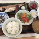 大衆居酒屋 しぇくら - イトヨリの塩焼き定食 1,080円
