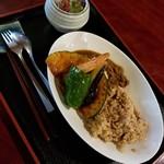菜はな - 玄米ご飯の菜はなカレー 980円