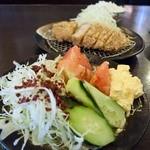 勝富 - 名代とんかつ 勝富 曲金店 サラダ