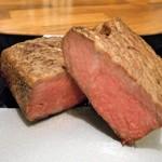 イタリア食堂 ピエーノ ディ ソーレ - 雪解けローストビーフ(PB)A5のお肉を使った高級ローストビーフ※3000円/100g