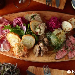 お客様のニーズに応える前菜盛り合わせ『アンティパストミスト』