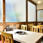 四季中華料理 - 個室テーブル席2
