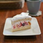 metsa - 料理写真:季節のフルーツショート☆