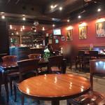 THE KING GEORGE English Pub - 店内の雰囲気