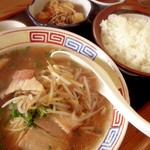 みき食堂 - 料理写真:ラーメン定食