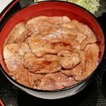 駿河 - 料理写真:定番豚丼