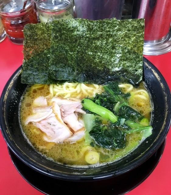 はじめ家 - ラーメン700円麺硬め。