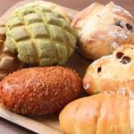 優しいかおりのパン屋さん - メイン写真: