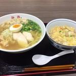 108677223 - 浜鷄ラーメンとミニ親子丼