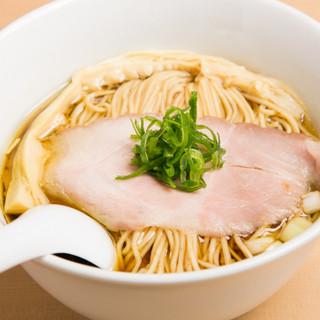 全ての旨味が詰まった当店自慢の「らぁ麺」をご用意!