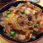 108686443 - 豚丼(4枚)960円