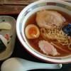 蔵御膳 らく丸 - 料理写真:中華そば・おにぎりセット750円ネギ抜き、おにぎりはおかか