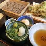 そば うどん 今日亭 - 料理写真:かき揚げ定食♪ 890円