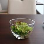 創作料理 薫風湘南 - レタスミックスのサラダ