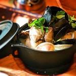 貝と貝と貝 南部鉄器で純米酒蒸し