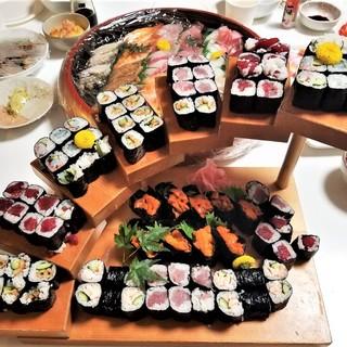 団体様用の宴会コースは飲み放題付きで5,000円(税込)より