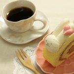 カイザーケルン - いなばの白兎をイメージした「うさぎロール」です。卵白を使用し白く淡いホワイトロールケーキ