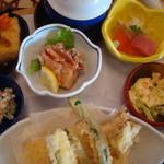 みほり峠 - ミニ海鮮丼