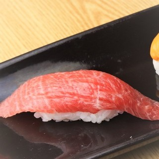 ◇厳選◇鮨ネタには、毎朝豊洲から仕入れる鮮魚を使用。