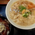 だるま八 - 肉醤油らーめん(700円税込)+ミニとんてき丼セット(+370円税込)