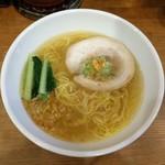 ラーメン道 天神 - 黄金の塩らぁ麺(700円)