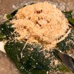 烏賊・鮨ダイニング 鮮助 - 新玉ねぎのサラダ