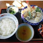 10879472 - 天婦羅丼(800円)