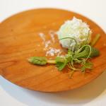 108794785 - そら豆とベーコンのペーストにペコリーノチーズとアスパラソバージュ