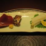 赤坂 渡なべ - 勝浦初鰹、腹身炙り アオリイカ